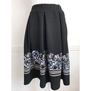 Cato • Black Pleated Floral Trim Skirt
